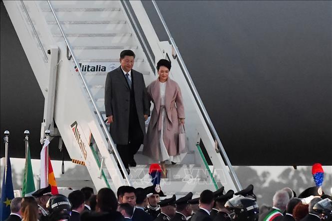 中国国家主席、イタリアに到着 「一帯一路」巡り覚書締結へ - ảnh 1