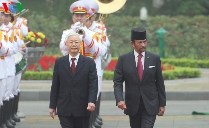 チョン書記長、ブルネイ国王と会談 - ảnh 1