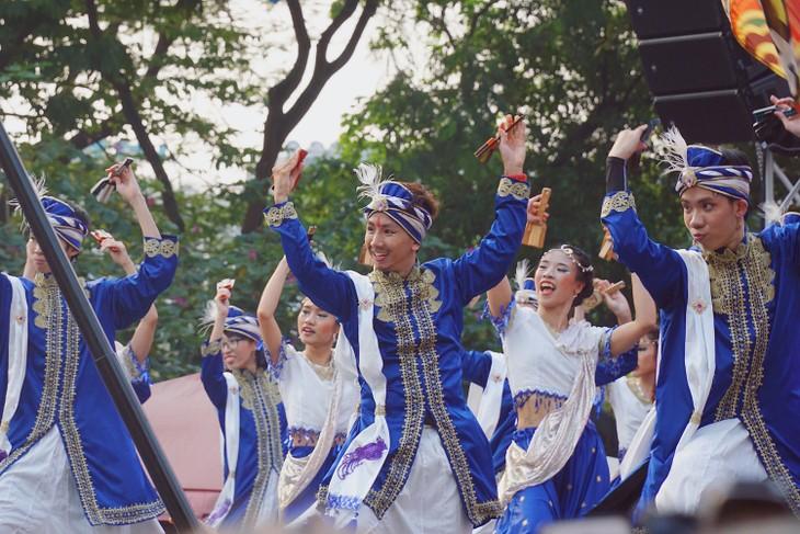 ベトナムのヨサコイ 色とりどりの衣装で舞う - ảnh 2