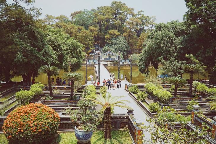 世界遺産フエに眠る歴代皇帝の陵墓 - ảnh 5