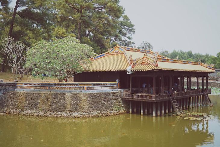 世界遺産フエに眠る歴代皇帝の陵墓 - ảnh 7