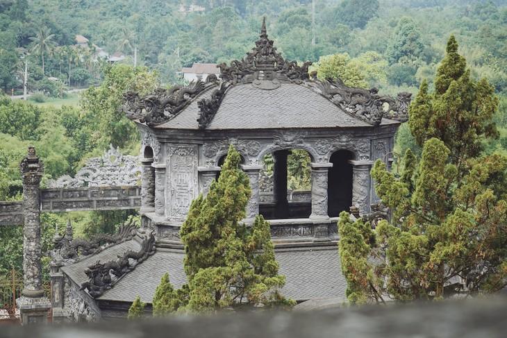 世界遺産フエに眠る歴代皇帝の陵墓 - ảnh 3