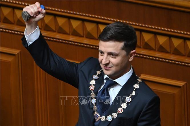 ウクライナ議会選、7月に前倒しへ 新大統領が署名 - ảnh 1