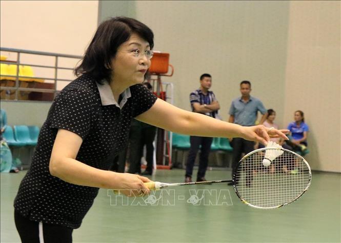 ティン国家副主席、女性のスポーツフェスタ開会式に参列 - ảnh 1