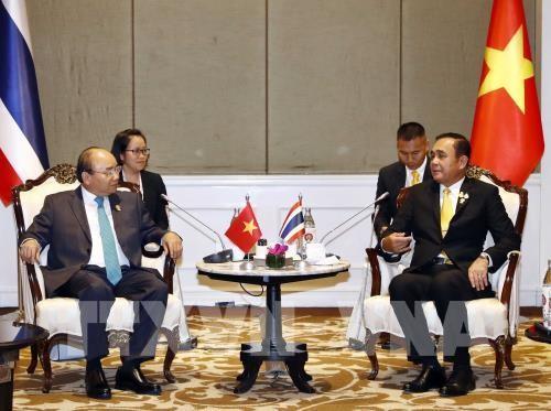 フック首相、タイの新聞のインタビューに答える - ảnh 1