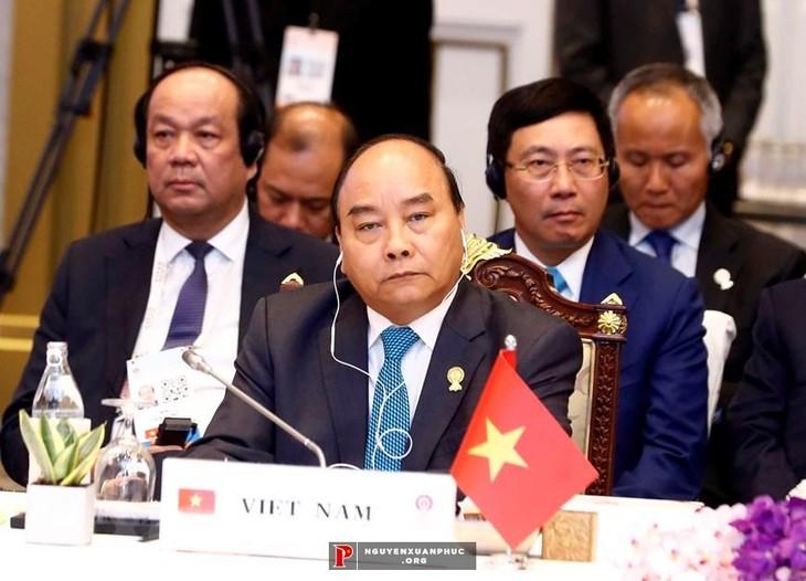 フック首相、ASEANの優先課題を評価 - ảnh 1