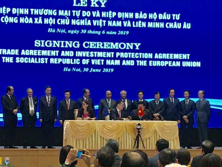 ベトナムEU間のFTAとIPAの調印式 - ảnh 1