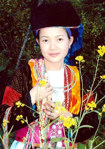 モン族の民族衣装 - ảnh 2