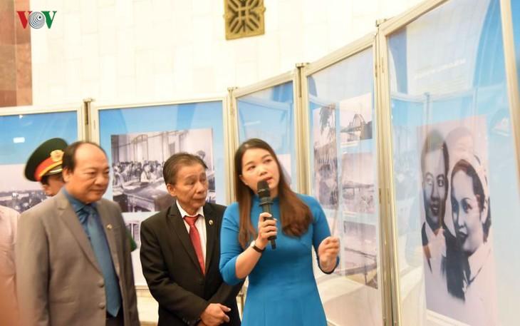 ラオスのカイソン・スパヌウォン主席に関する展示会始まる - ảnh 1