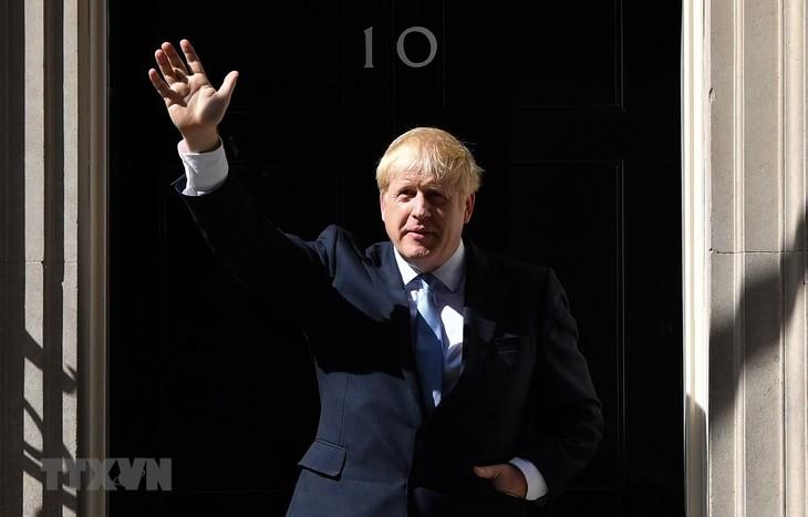 英の新首相、EU離脱強硬派で組閣 - ảnh 1
