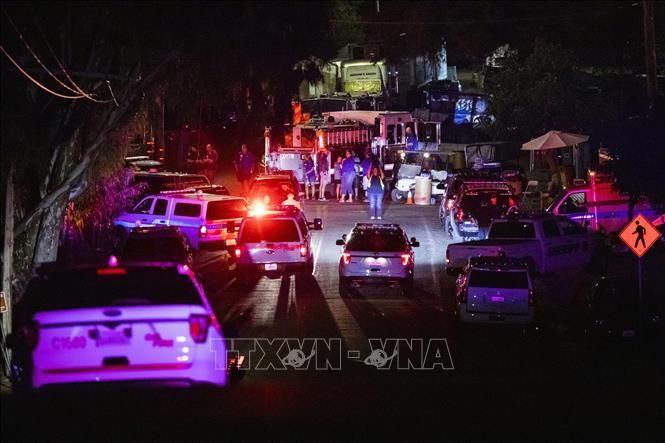 米カリフォルニア州銃乱射 19歳の容疑者 白人至上主義の投稿か - ảnh 1