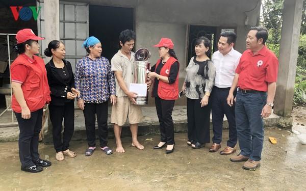 ベトナム赤十字協会 洪水被災地を支援 - ảnh 1