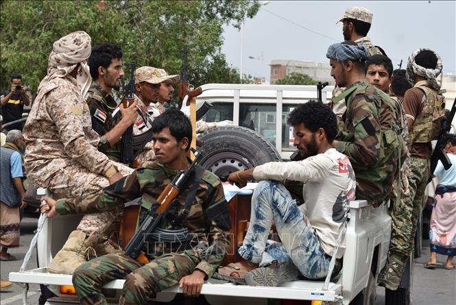 イラン最高指導者 イエメン反政府勢力を全面的支援 警戒広がる - ảnh 1