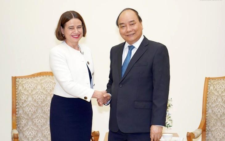 フック首相、オーストラリアの大使と懇談 - ảnh 1