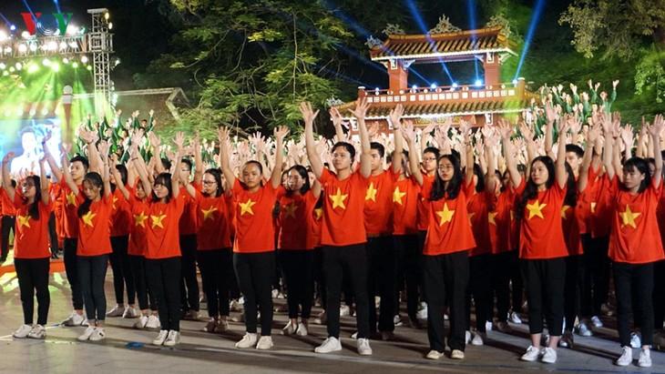 ホーチミン主席の遺書実施50周年を記念するテレビ番組 - ảnh 1