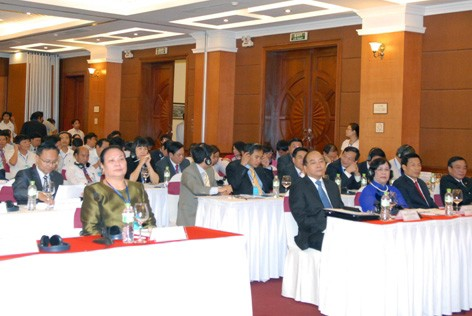 Vietnam  - Laos memperkuat kerjasama tentang tenaga kerja dan kesejahteraan sosial - ảnh 1