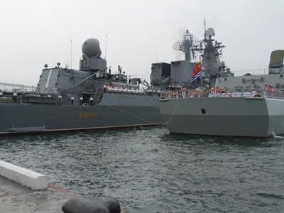 "Rusia-Tiongkok melakukan latihan perang  dengan nama: ""Joint sea-2013"" - ảnh 1"