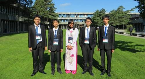 Vietnam memperoleh dua medali emas pada Olympiade  Fisika Internasional -2013. - ảnh 1
