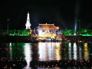 Banyak aktivitas untuk memperingati  hari prajurit penyandang cacad dan pahlawan  yang gugur (27 Juli)  berlangsung  di Vietnam - ảnh 1