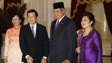 Memperkuat  kerjasama ekonomi, perdagangan dan investasi  Vietnam-Indonesia  - ảnh 1