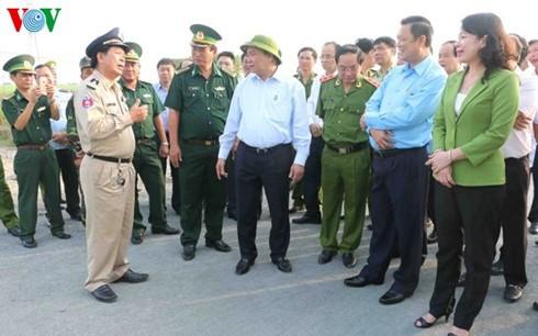 Deputi PM Vietnam, Nguyen Xuan Phuc  melakukan temu kerja di provinsi An  Giang - ảnh 1
