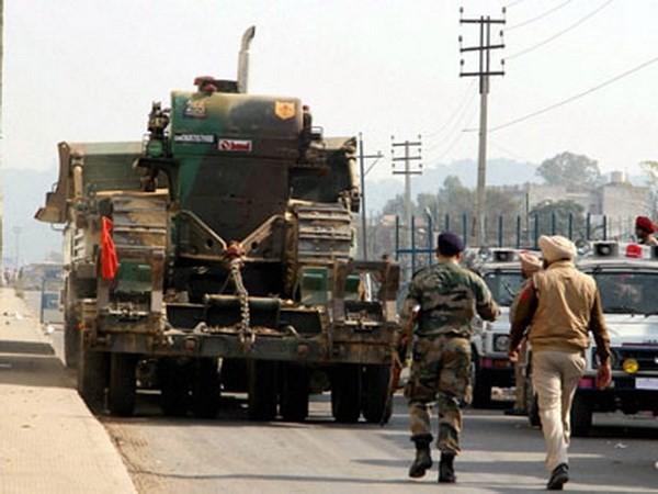 India mendesak Pakistan supaya bertindak setelah serangan terhadap pangkalan angkatan udara Pathankot - ảnh 1
