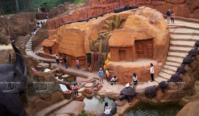 Terowongan tanah liat - destinasi  wisata  baru yang menyerap kedatangan para turis - ảnh 4