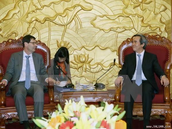 Kepala Departemen  Ekonomi KS PKV, Nguyen Van Binh menerima kepala pakar ekonomi IMF - ảnh 1