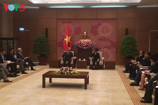 Memperkuat hubungan  parlemen dua negara Vietnam dan AS - ảnh 1
