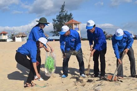 Aktivitas-aktivitas menyambut Hari Lingkungan Dunia - ảnh 1