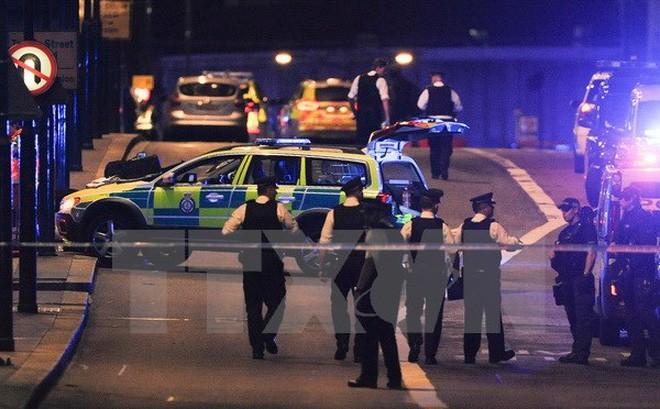 Polisi Inggeris membasmi tiga teroris di London - ảnh 1