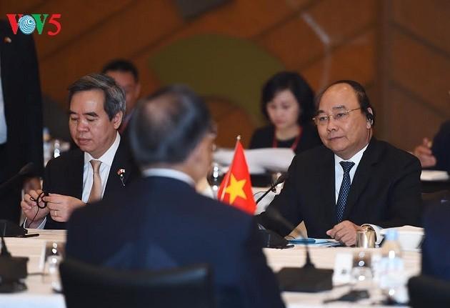 Pers Jepang memberikan penilaian positif terhadap kunjungan resmi PM Nguyen Xuan Phuc di Jepang - ảnh 1