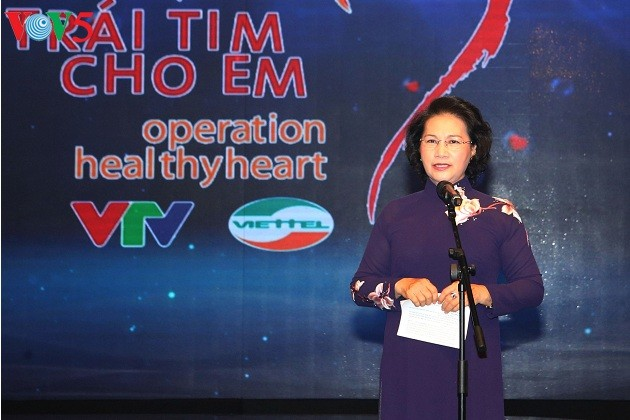 "Ketua MN Vietnam, Nguyen Thi Kim Ngan  menghadiri Program: ""Terus menulis impian"" - ảnh 1"
