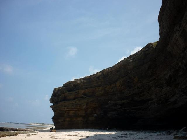 Provinsi Quang Ngai mengembangkan potensi pariwisata - ảnh 2