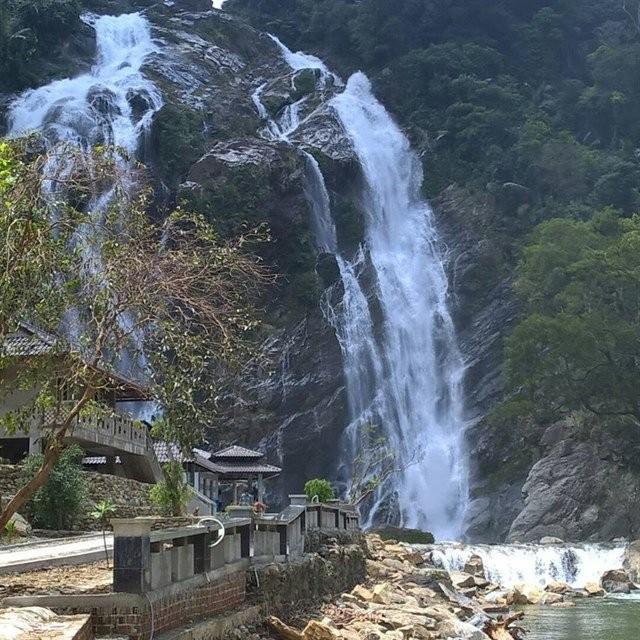 Provinsi Quang Ngai mengembangkan potensi pariwisata - ảnh 4