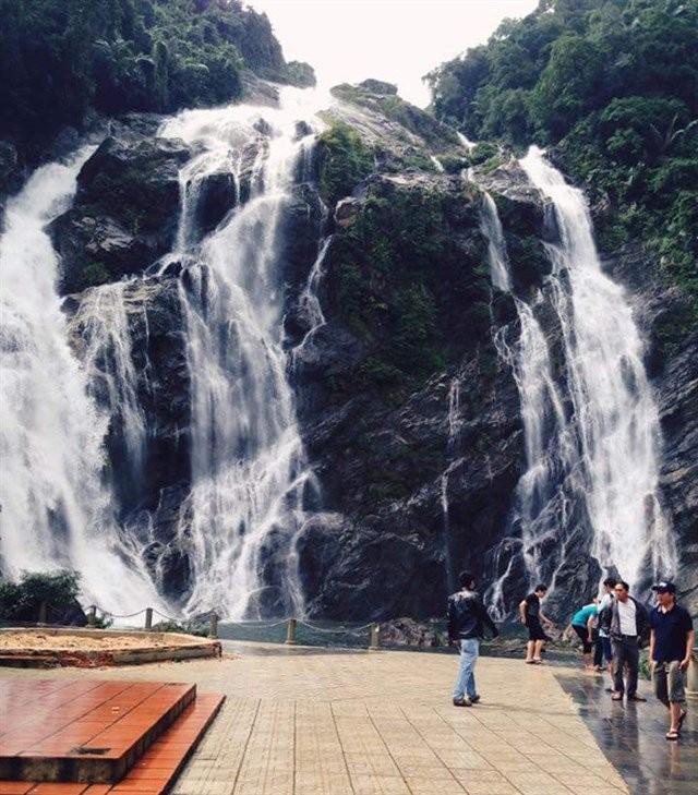 Provinsi Quang Ngai mengembangkan potensi pariwisata - ảnh 5