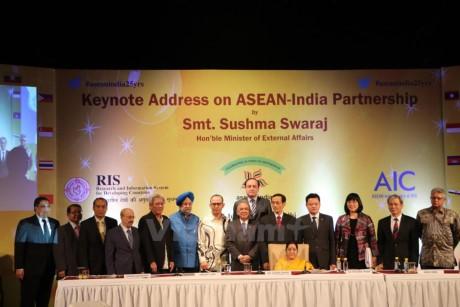Rapat umum memperingati ultah ke-25  Hari penggalangan hubungan kemitraan India-ASEAN - ảnh 1