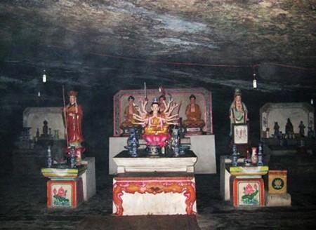 Pagoda Hang di pulau Ly Son, provinsi Quang Ngai - ảnh 2