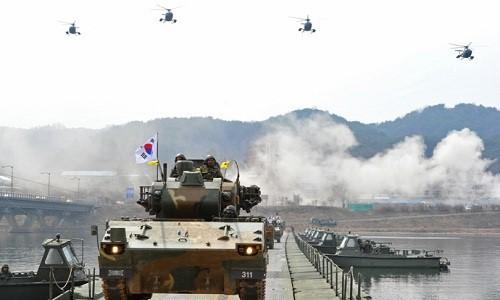 Republik Korea melakukan latihan mobilisasi perang  tahunan - ảnh 1