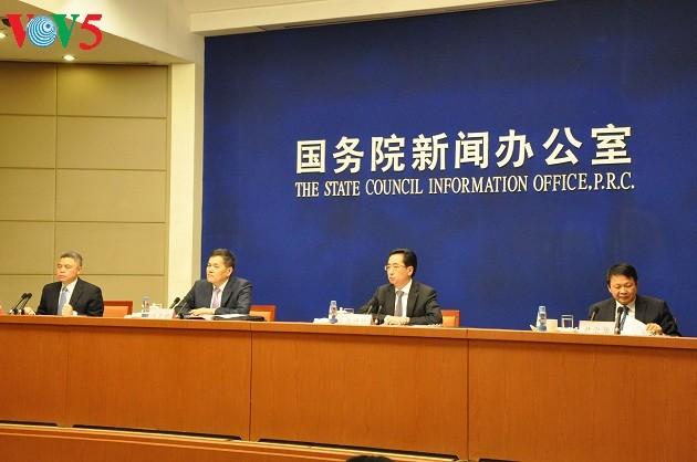 Memperkuat kerjasama ekonomi dan perdagangan Tiongkok-ASEAN - ảnh 1