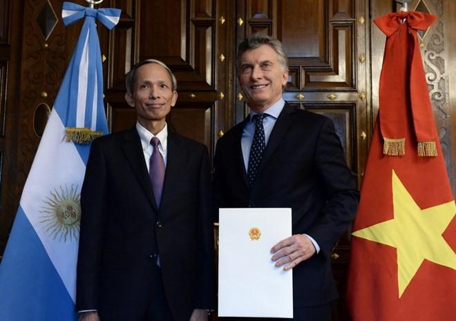 Presiden Argentina, Mauricio Macri memberikan apresiasi tinggi terhadap prestasi ekonomi Vietnam - ảnh 1