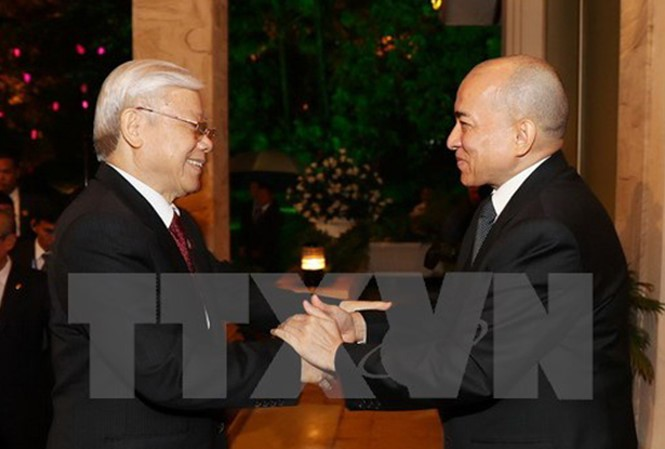 Koran Kamboja memberikan apresiasi tinggi terhadap kunjungan kenegaraan Sekjen KS PKV, Nguyen Phu Trong di Kerjaaan Kamboja  - ảnh 1