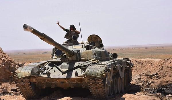 Tentara Suriah membebaskan lagi satu bagian kawasan tenggara Raqqa - ảnh 1