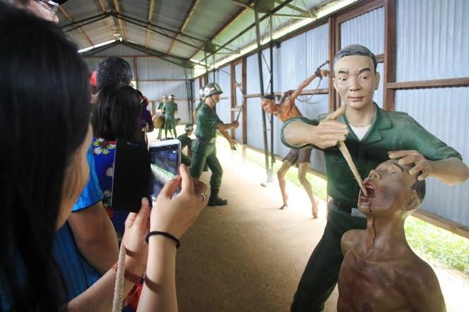 Rumah penjara Phu Quoc - Simbol dari  semangat  gigih dari para pejuang revolusioner - ảnh 5