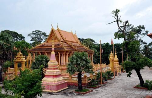 Mengunjungi beberapa pagoda di provinsi Soc Trang - ảnh 3