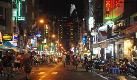 Kota Ho Chi Minh meresmikan jalan ke-2 untuk para  pejalan kaki - ảnh 1