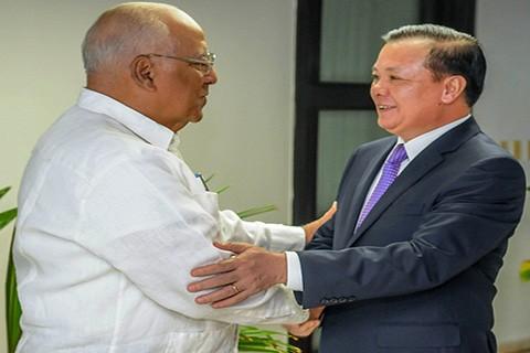Vietnam dan Kuba memperkuat kerjasama di bidang keuangan - ảnh 1