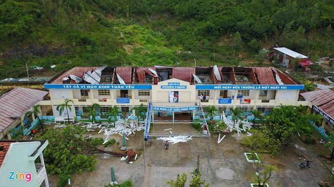 Taufan Damrey menimbulkan kerugian di beberapa provinsi di Vietnam Tengah - ảnh 1