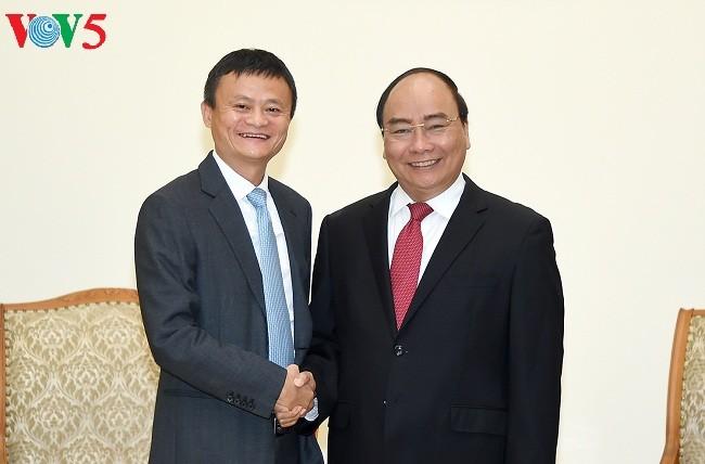 PM Vietnam, Nguyen Xuan Phuc  menerima Presiden Grup Perdagangan Elektronik Alibaba, Tiongkok - ảnh 1