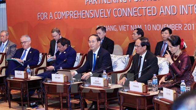 Presiden Vietnam, Tran Dai Quang memimpin dialog tingkat tinggi tidak  resmi APEC-ASEAN - ảnh 1